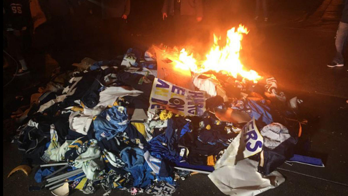 Video of Fans outside San Diego Chargers Headquarters